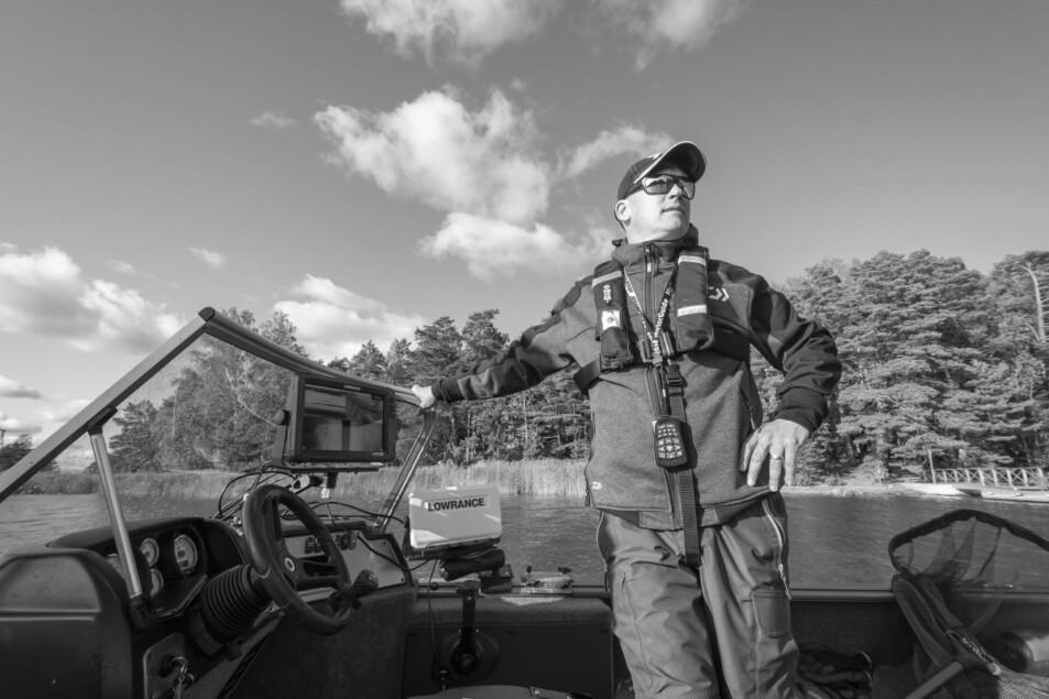 Kalastusopas Kari Koivisto. Professional fishing guide Kari Koivisto.